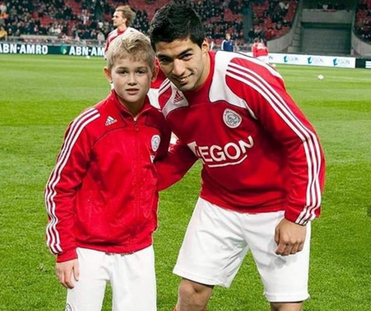 Luis Suarez i dečak