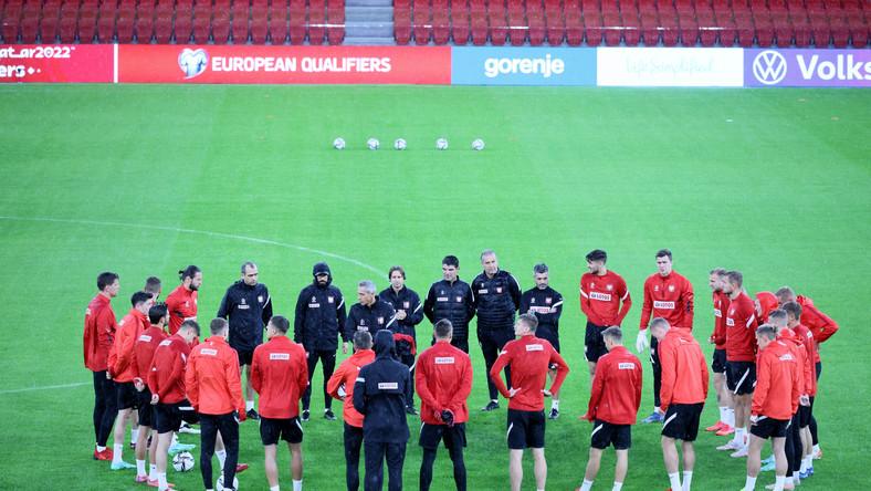 Piłkarze reprezentacji Polski podczas treningu kadry w Tiranie,