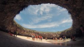 Najpiękniej położona plaża świata znowu otwarta