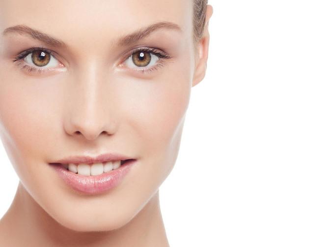 Za blistav ten: Naučite kako da smanjite pore na licu