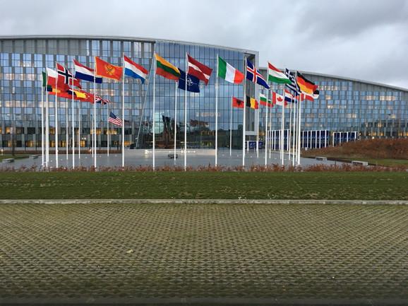 NATO, Brisel