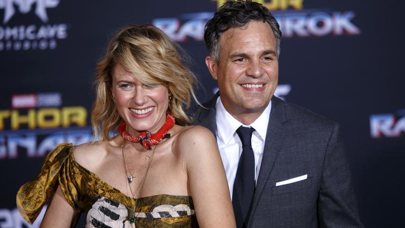 """Mark Ruffalo z żoną na premierze filmu """"Thor: Ragnarok"""""""