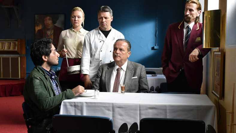 "Kadr z filmu ""The Other Side Of Hope"". Aki Kaurismäki pokże go na Berlinale 2017"