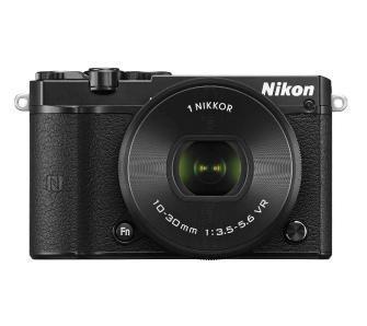 Nikon 1 J5 + 10-30 mm