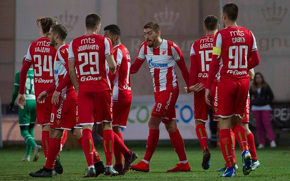 Slavlje fudbalera Zvezde posle pobede na zimskim pripremama
