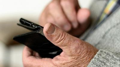 Senioren-Smartphones: Kauf-Ratgeber für Silver Surfer