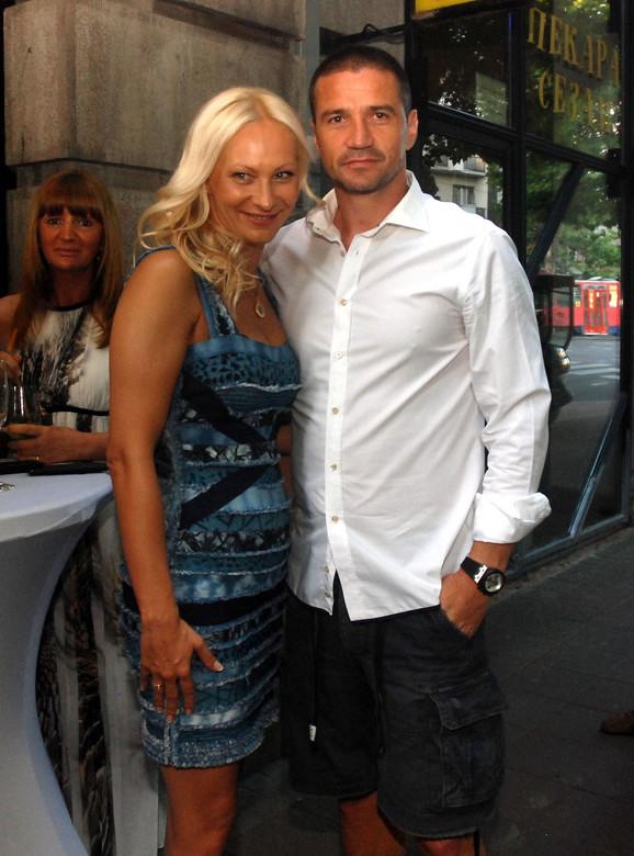 Sanela je uzela prezime svog supruga Zorana - Batice Mirkovića