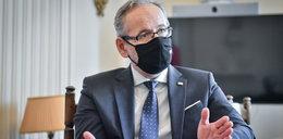 """Nakaz testów w Polsce? Minister mówi, że SMS wskaże badanego. """"Nie można odmówić"""""""