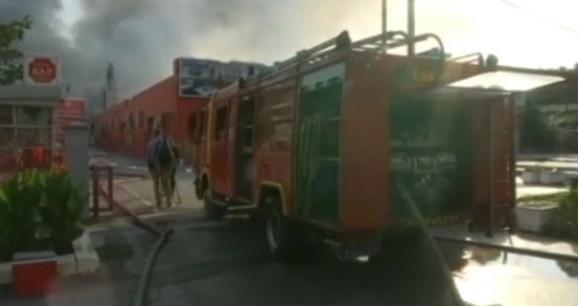 Vatrogasci i dalje na terenu