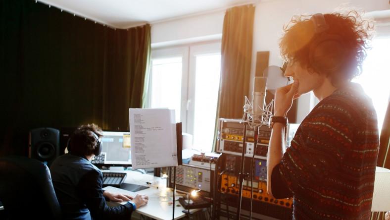 """Debiutancki album Dawida Podsiadło będzie nosić tytuł """"Comfort and Happiness"""""""