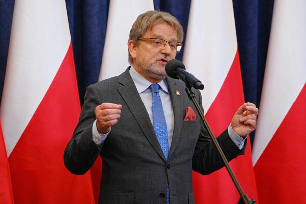 - Skorzystanie z dyspensy oznacza, że nieobecność na Mszy niedzielnej we wskazanym czasie nie jest grzechem - powiedział główny inspektor sanitarny Jarosław Pinkas.