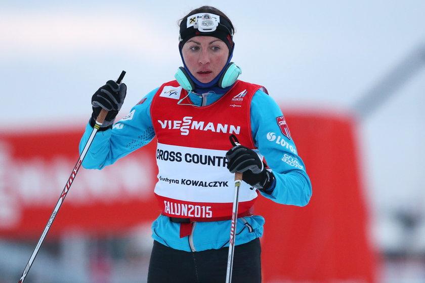 Justyna Kowalczyk rozebrała się i pobiegła z koleżanką!
