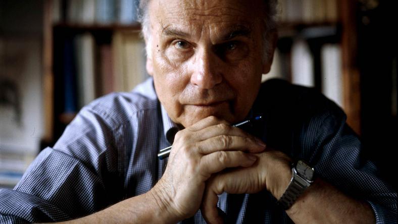 Ryszard Kapuściński w swojej pracowni w 2003 roku