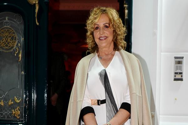 Mikrofon im nije potreban: Ana Bekuta PROZVALA MLADE PEVAČICE i progovorila o ESTETSKIM OPERACIJAMA!