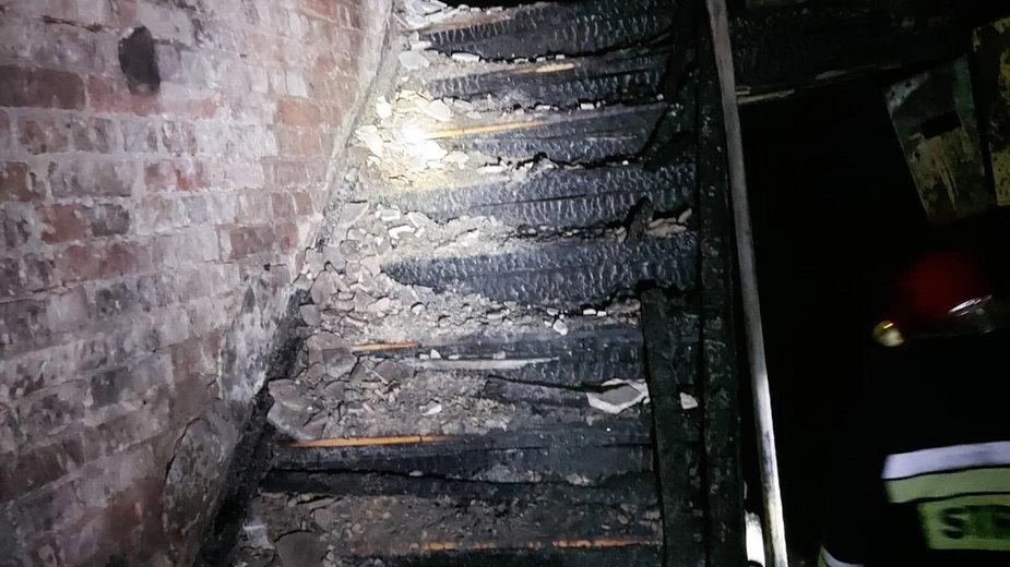 Ogień wybuchł w budynku na Smoluchowskiego
