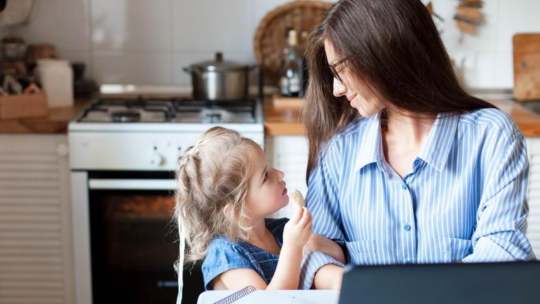 Matka pracuje. Rozmowa z dzieckiem.