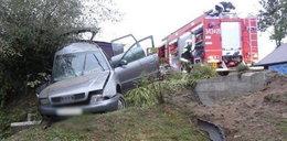Samochód wypadł z drogi. Cztery osoby w szpitalu