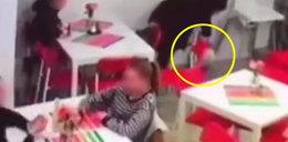 Ukradła dziecku torbę z prezentami. Złodziejkę ruszyło sumienie