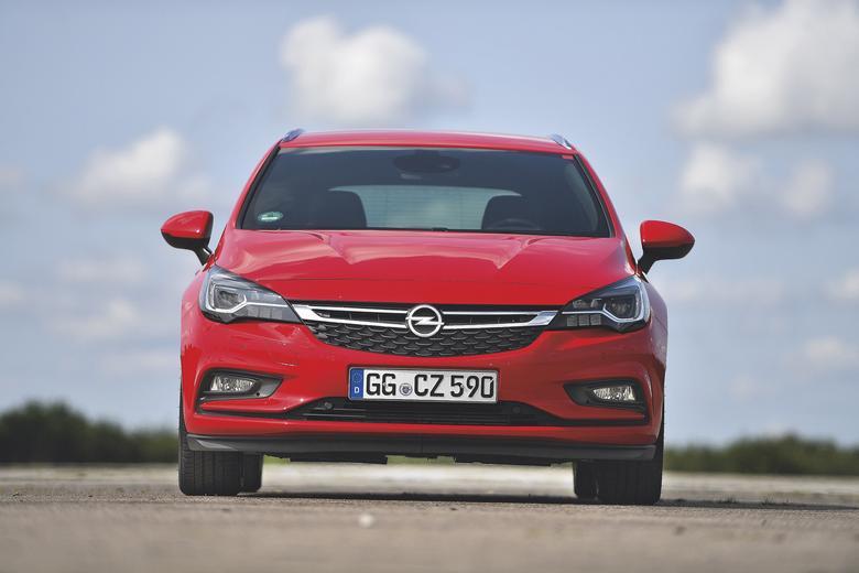 Hyundai i30 vs. Opel Astra i Skoda Octavia - Kombi w Dobrym Formacie