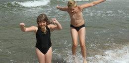 Jak dzieci mają kąpać się w morzu bezpiecznie