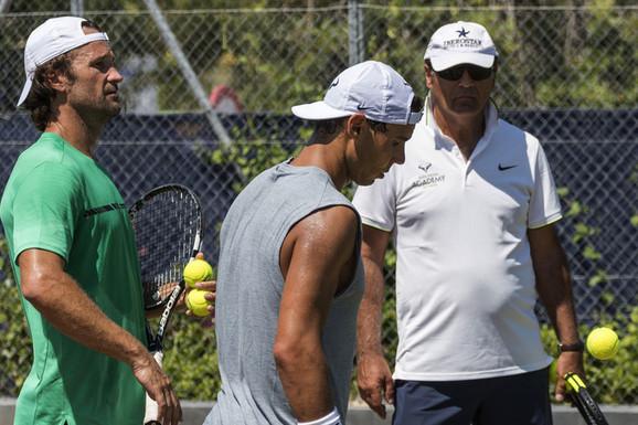 """""""Iznenađuju me takvi sportisti..."""" Toni Nadal PROZVAO Medvedeva zbog poraza od Novaka Đokovića u finalu Australijan opena!"""