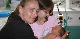 Miała 12 lat gdy urodziła Annę. Ojcem był jej brat