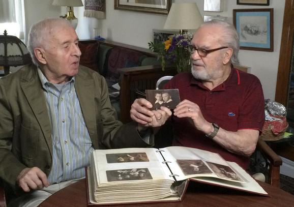 Džo i Aleks su živeli blizu jedan drugog u Njujorku