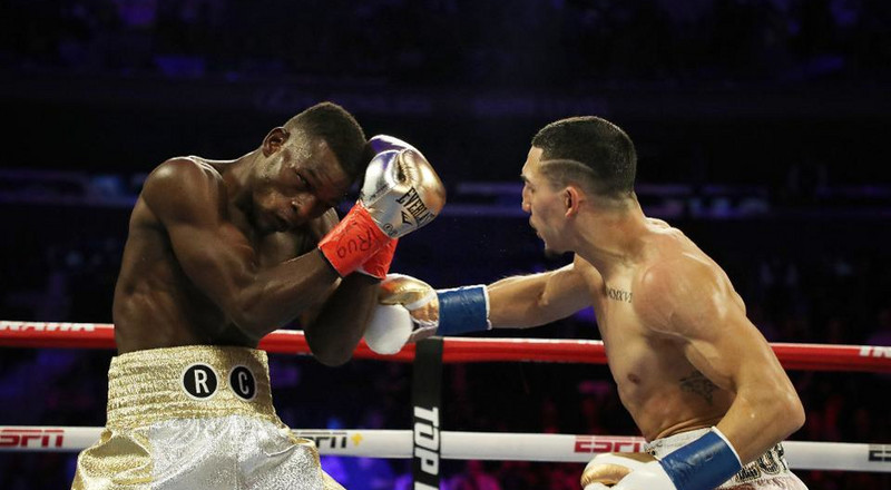 Watch how Richard Commey was blown away by Teofimo Lopez (VIDEO)