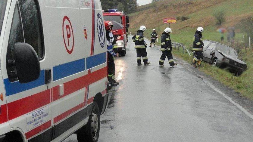 Wypadek samochodu pod Krynicą-Zdrojem