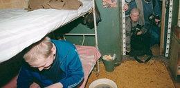 Tu trzymają Nawalnego. 12 metrów kwadratowych i żelazne łóżko