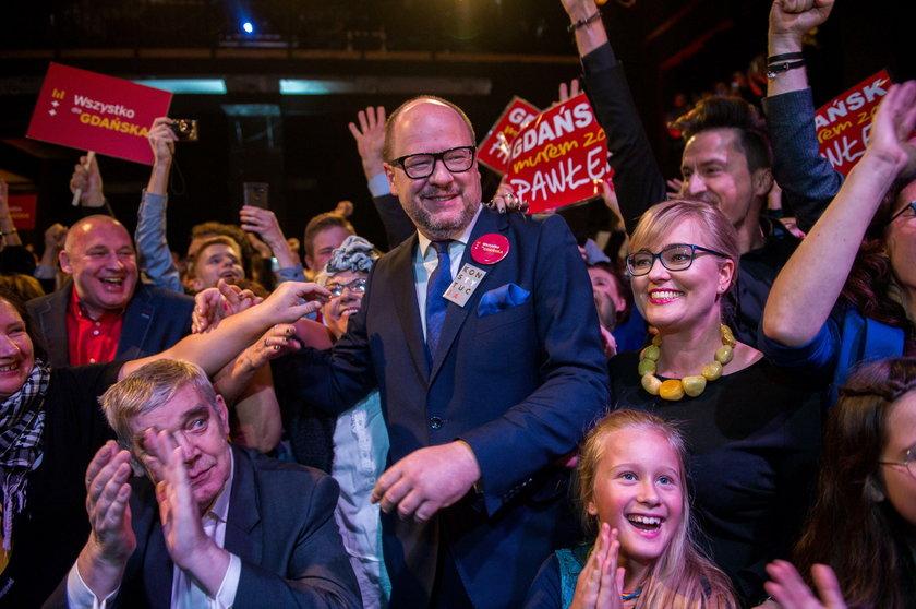 4 listopada razem z najbliższymi prezydent Adamowicz świętował zwycięstwo w wyborach