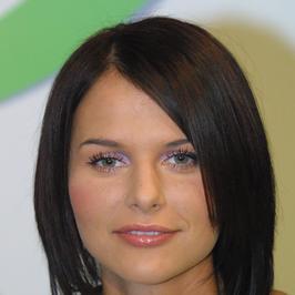 """Od """"Idola"""" po czołową prezenterkę Telewizji Polsat. Jak przez lata zmieniała się Paulina Sykut-Jeżyna?"""