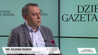Prof. Rogowski o wzroście liczby wydanych kart kredytowych