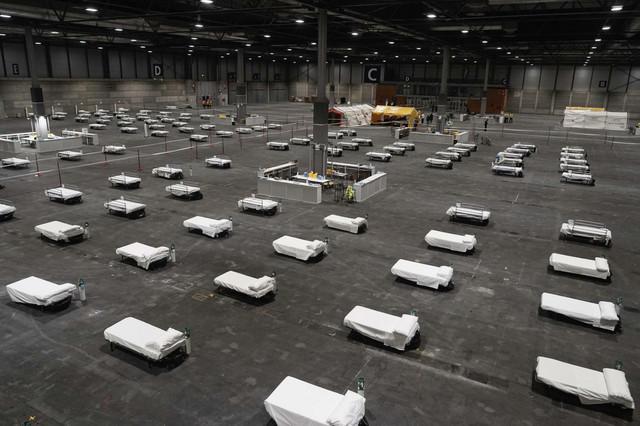 Scena iz Madrida, gde se hitno pripremaju veliki prostori za prijem obolelih