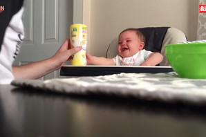 Ovaj tata OSVOJIĆE VAŠA SRCA kada vidite šta radi ne bi li nahranio bebicu