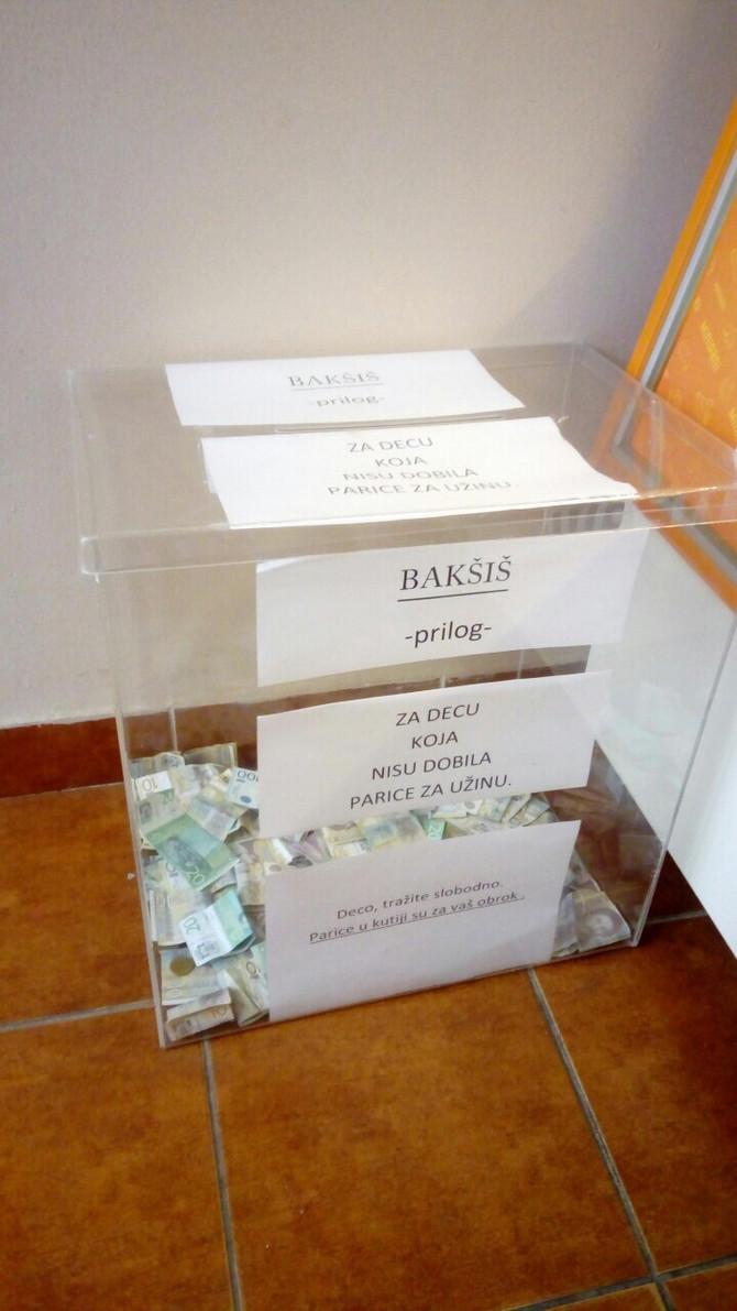 Kutija zauzima centralno mesto u pekari u Novim Banovcima