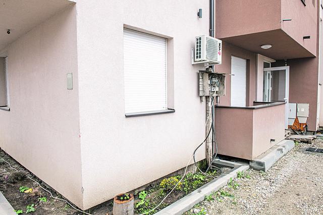 Investitor je pet novih useljenih zgrada povezao nelegalno na stub