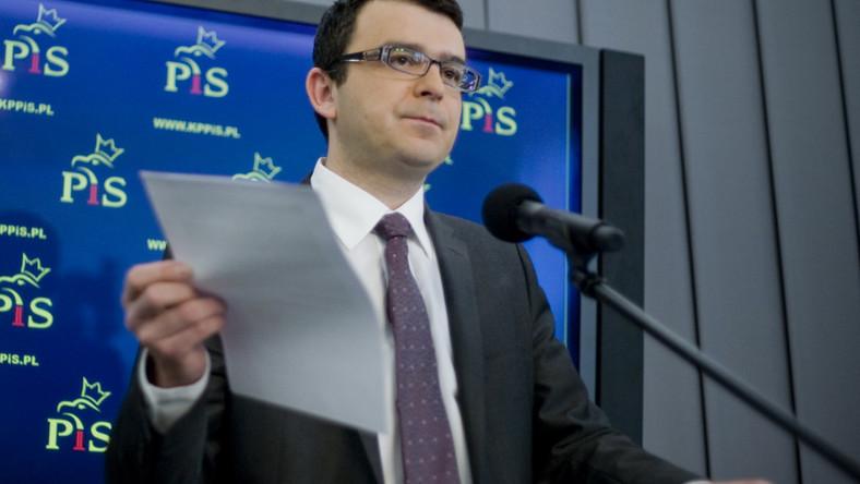 Poseł PiS pyta o finansowe zależności w PO