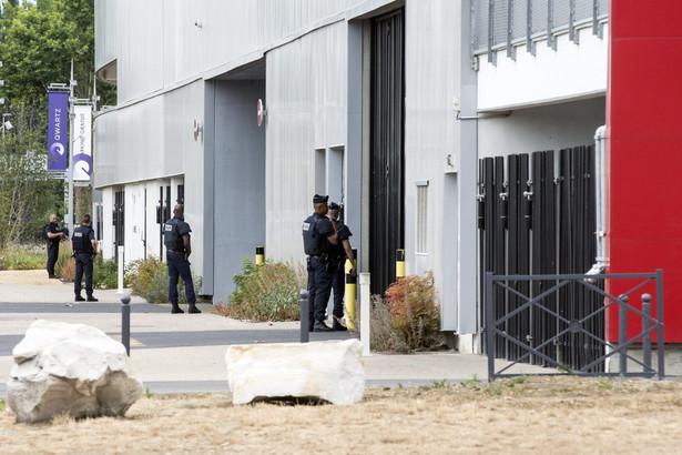 Francja: Napad na centrum handlowe
