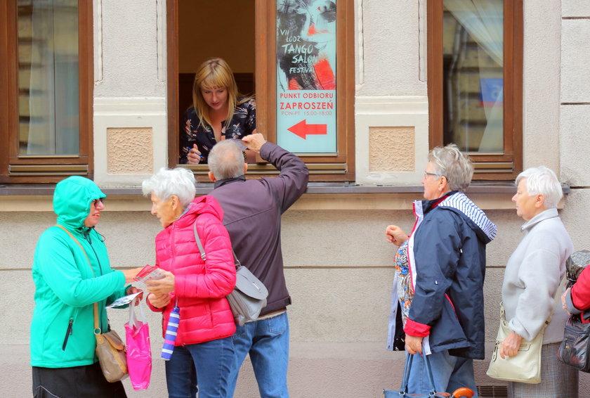 Tango w Łodzi. Długa kolejka po zaproszenia na tango salon festiwal