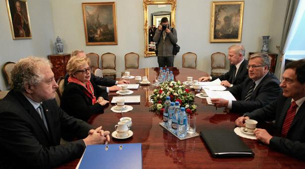 """Komorowski podkreślił, że """"nie ma zgody na kwestionowanie uczciwości wyborów"""""""