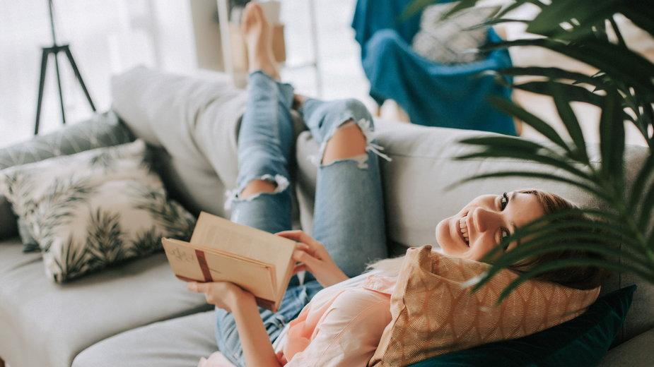 Nowości książkowe idealne na wieczory w domu