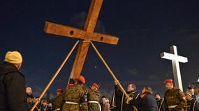 Tłumy wiernych na Drodze Krzyżowej w centrum Warszawy