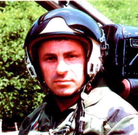 Pilot potpukovnik Milenko Pavlović 1999. godine