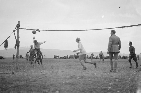 Fudbalski meč u vojnom logoru pokraj Soluna 1916.