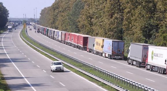 Kamioni na Batrovcima
