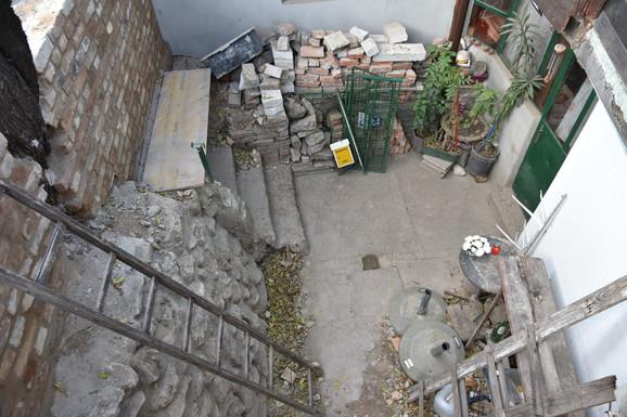 Stepenice kao ulaz u kuću porodice Demše