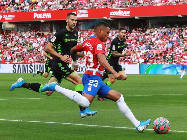 Darvin Makis, jedan od tri strana reprezentativca koje FK Granada ima na raspolaganju