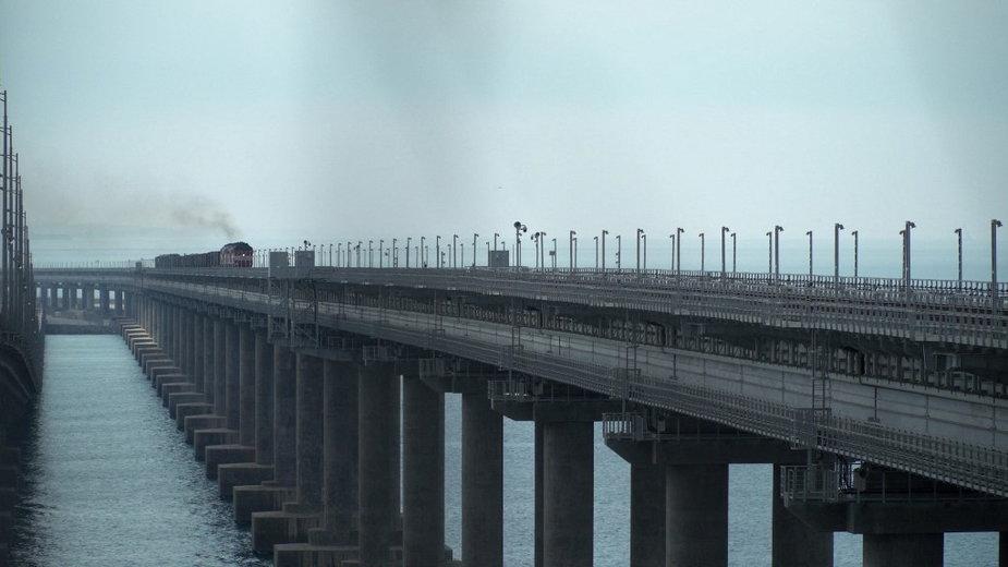 Most nad Cieśniną Kerczeńską, łączący Krym z kontynentalną częścią Rosji