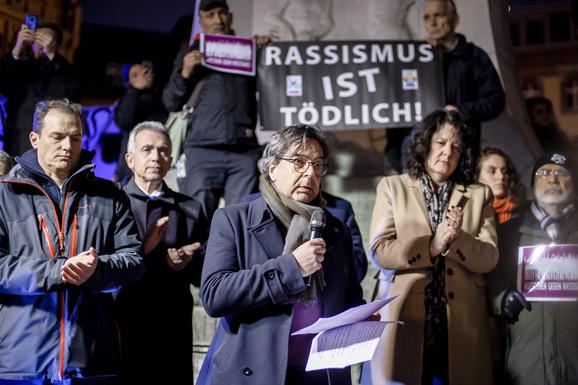 Zvaničnici na skupu povodom masakra u Frankfurtu na Majni
